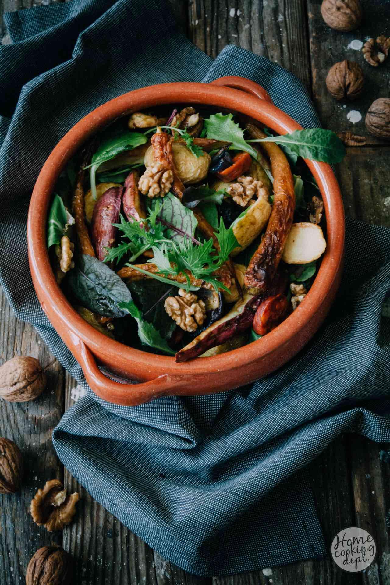 Herfst salade met geroosterde zoete aardappel in de hoofdrol