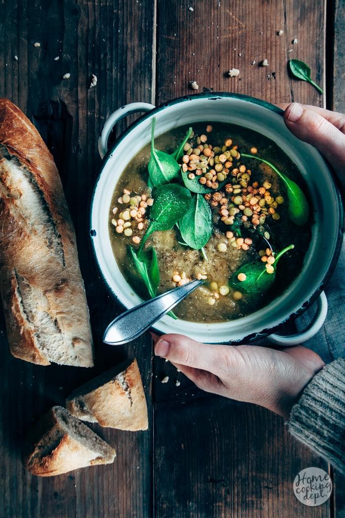 Linzensoep recept met yoghurt en spinazie + erwtensoep herinneringen!