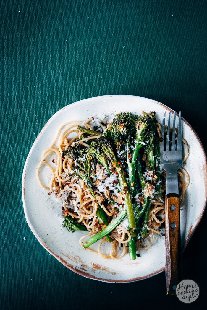 Heerlijke en gemakkelijke Italiaanse pasta met ansjovis en bimi