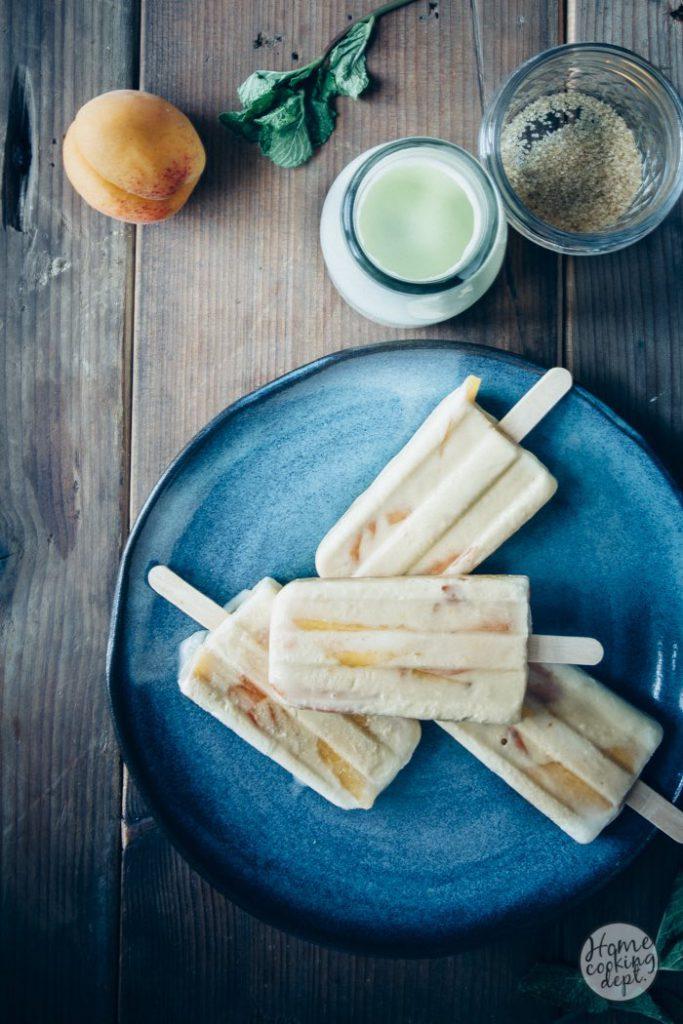 The making of ice-creams / Zelf ijsjes maken van steenfruit